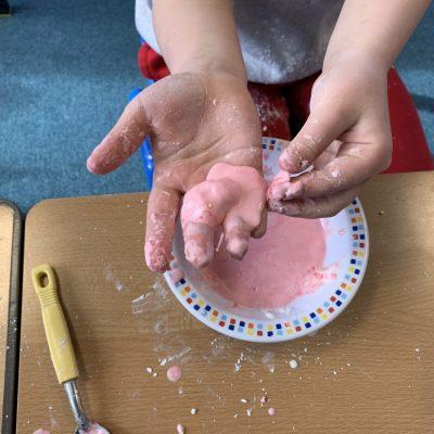 Cornflour experiment - is it liquid or solid?